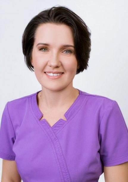 S'OS klinika gydytojo odontologo padėjėja Aistė Burneikienė