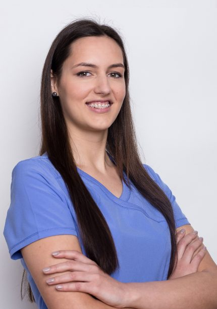 S'OS klinikos gydytojų odontologų padėjėja